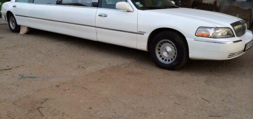 Перетяжка крыши в лимузине, и обновление салона лимузина Lincoln Town car,тонировка лимузина.